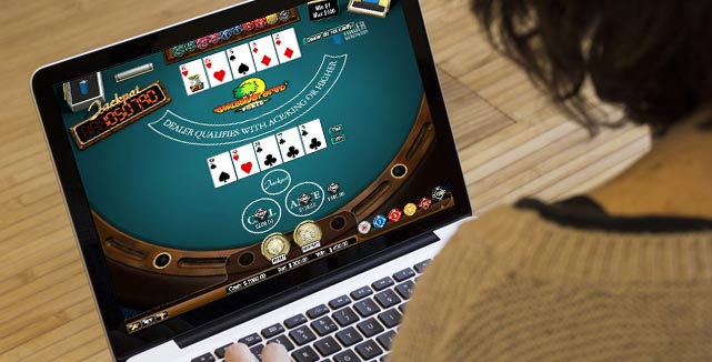Which Online Poker Site Can Give You Maximum Benefits?