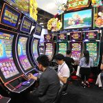 Why Do People Prefer To Play Online Slots At Casinos?